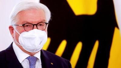 الرئيس الألماني يعترف بأخطاء في مواجهة (كورونا) ويدعو للاستعداد لقيود صارمة