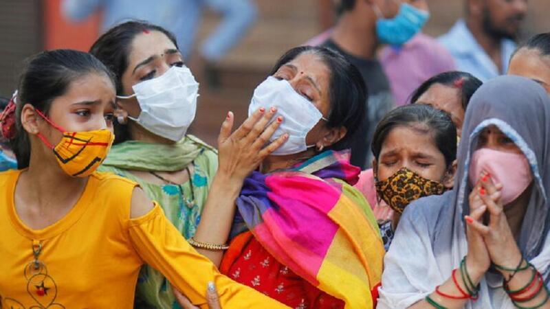 الهند تواصل تسجيل أرقام كارثية بعدد الإصابات اليومية بـ (كورونا)