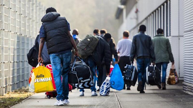 هل توافق هولندا على مطالب الأحزاب وترحل اللاجئين السوريين؟