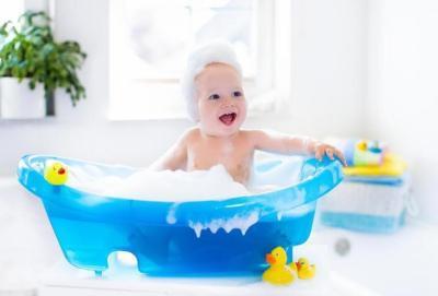قواعد وأساسيات تحميم الطفل الرضيع
