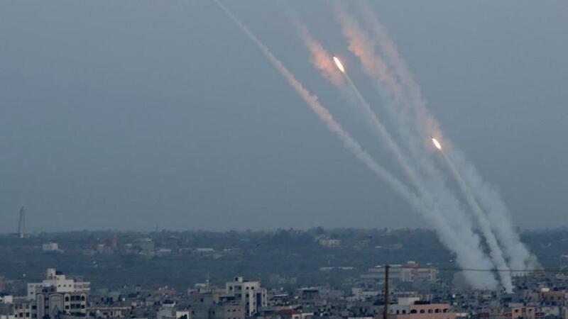 تخوفات إسرائيلية من استئناف المقاومة إطلاق الصواريخ من غزة نهاية الأسبوع