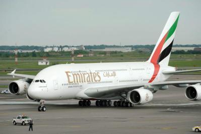 """""""طيران الإمارات"""" تتكبد خسائر بقيمة 5.5 مليار دولار"""