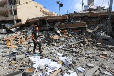 """أبو حسنة: """"الاونروا"""" ستقدم """"مساعدات نقدية"""" لأصحاب الأضرار الكلية بعد الانتهاء من الحصر"""