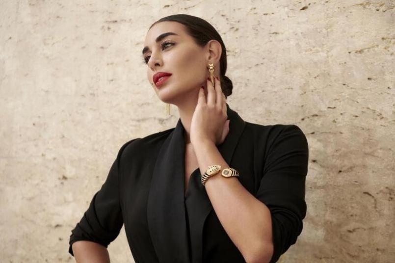 """ياسمين صبري بساعة يد فاخرة من ماركة كارتييه """"Cartier"""""""