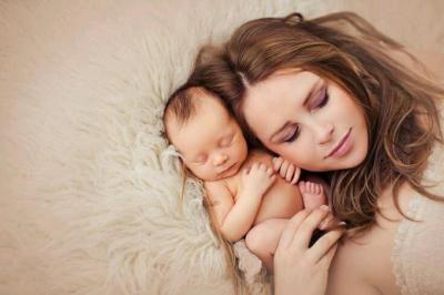 قلة نوم الأمهات الجدد يسرع الشيخوخة