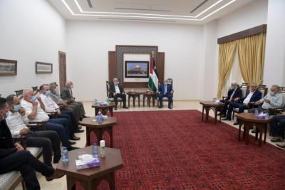 """أمناء سر أقاليم حركة فتح بالضفة الغربية يقدمون لـ """"أبو مازن"""" مقترحات لترتيب الشأن الداخلي"""