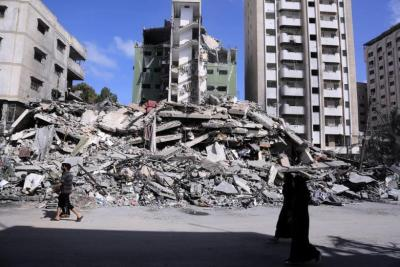 وفد وزاري يبحث في القاهرة إعادة إعمار غزة