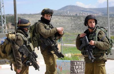 """جندي """"إسرائيلي"""" يطعن قائده بسكين ويصيبه بجروح"""