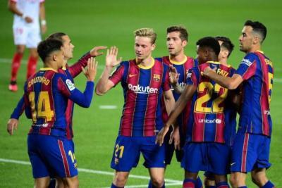 برشلونة يقرر فسخ عقود لاعبيه