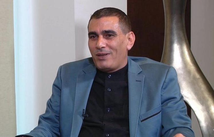 السلطة الفلسطينية تتمزق بين محور المقاومة ومحور التطبيع