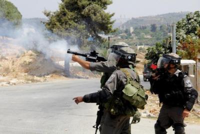 قوات الاحتلال تصيب ويعتقل ثلاثة فلسطينيين شمال الضفة الغربية