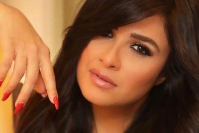 خروج ياسمين عبد العزيز من العناية المركزة