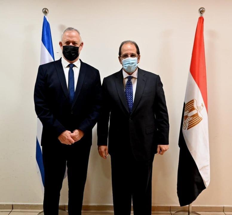 بيني غانتس واللواء عباس كامل
