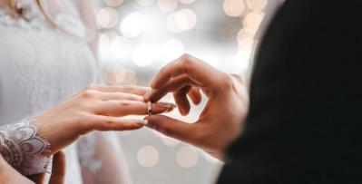 إليك علامات تؤكد صدق نية الرجل بالزواج