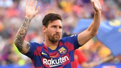 """رئيس برشلونة يكشف أسباب رحيل """"ميسي"""" عن صفوف النادي"""