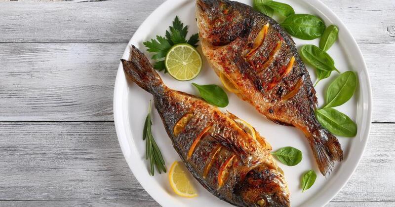 تناول الأسماك يحمي الجسم من الأمراض المزمنة