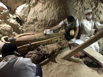 وفاة 4 أشخاص خلال عملية تنقيب عن الآثار في مصر