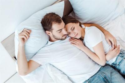 5 أسرار في حياتك الزوجية ما ينفعش تطلع برا المنزل