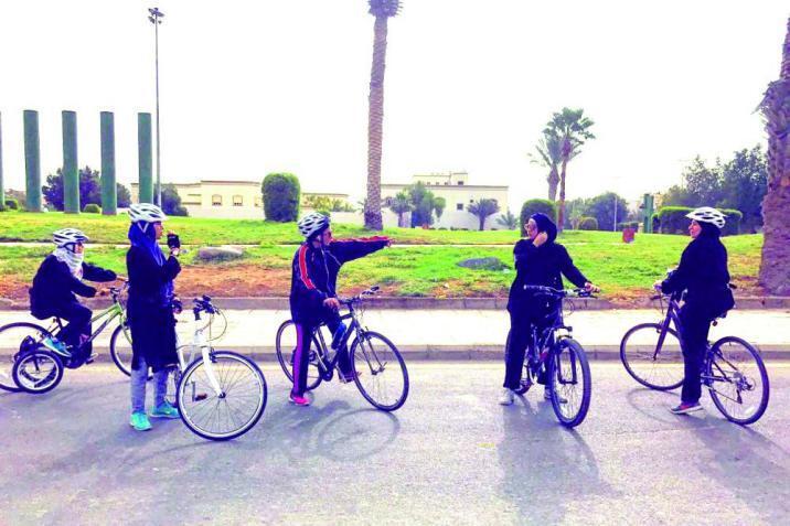 بمشاركة إسرائيل.. هكذا تم تهريب النساء وفريق الدراجات من أفغانستان