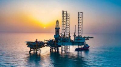 أسعار النفط تسجل ارتفاعاً بسبب الانخفاض الحاد في مخزونات الخام الأمريكية