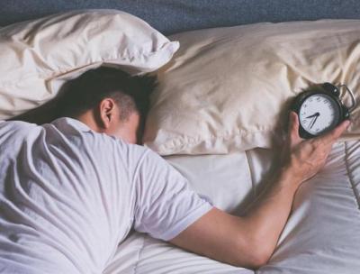 تعرف على خطورة النوم أقل من 6 ساعات في الليلة