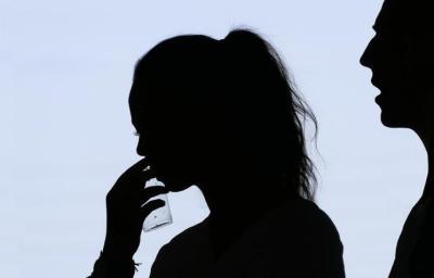 امرأة تخون زوجها مع 13 رجلاً.. وبعد اكتشافها كانت المفاجأة !