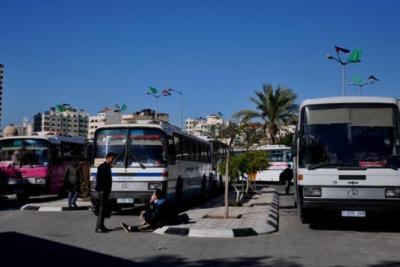 وزارة المالية تعلن إيقاف عمل حافلات نقل الموظفين العموميين بغزة