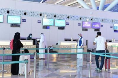 السعودية تبدأ تشغيل مطاراتها بكامل طاقتها الاستيعابية