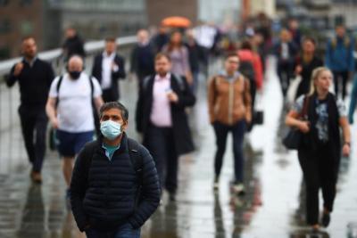 بريطانيا تتابع عن كثب متحورة فرعية جديدة لفيروس (كورونا)