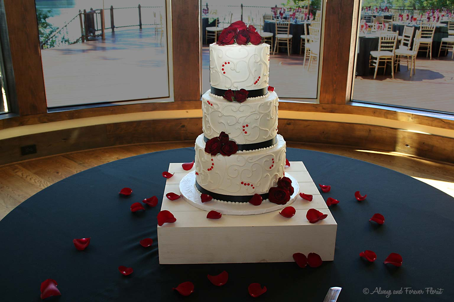 Late September Bella Weekend Weddings     Always   Forever Florist     and the latter by Delicious Cakes com in Greensboro