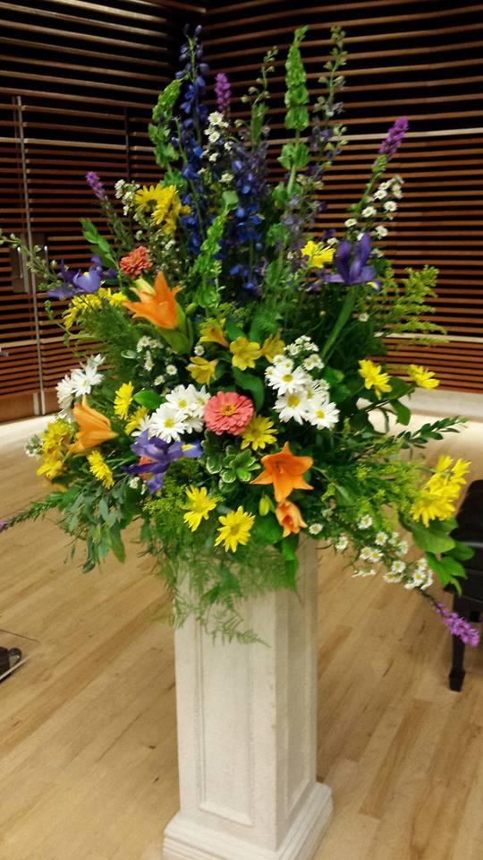 summertime altar flowers