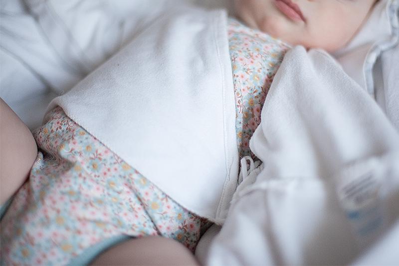 baby-schlafsack-alvi-wolken-untersack