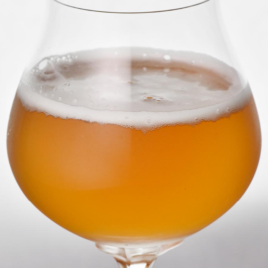 「自家焙煎ほうじ茶のクラフトビール」