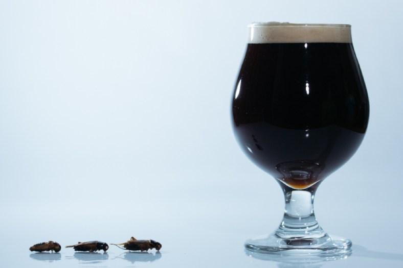 遠野醸造&ANTCICADA「コオロギビール / Cricket Dark Ale」