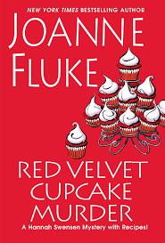 Red Velvet Cupcake Murder (A Hannah Swenson Mystery) by Joanne Fluke