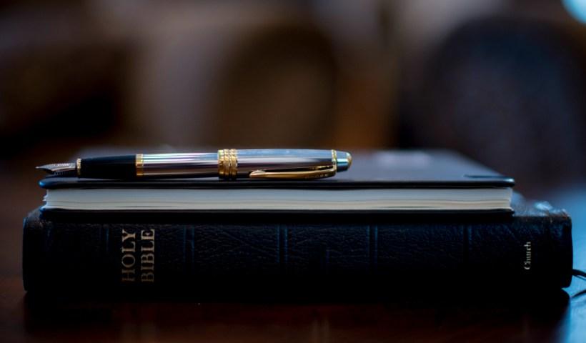 How to Study the Bible Like a Theologian | alyssajhoward.com