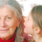 Cómo Enseñar a los más Pequeños a Hacer Ejercicios con su Abuelo que Padece Alzheimer.