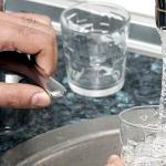 ABC El aluminio se utiliza para atrapar partículas nocivas en el agua potable