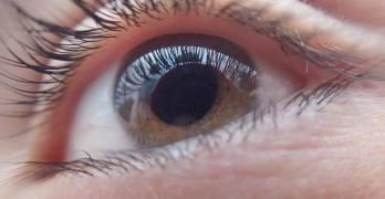 Exploración Ocular Puede Detectar Signos Tempranos de Alzheimer