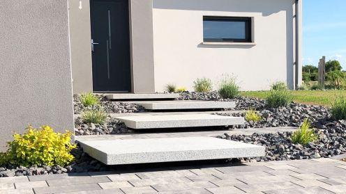 Escalier blocs marches en suspension