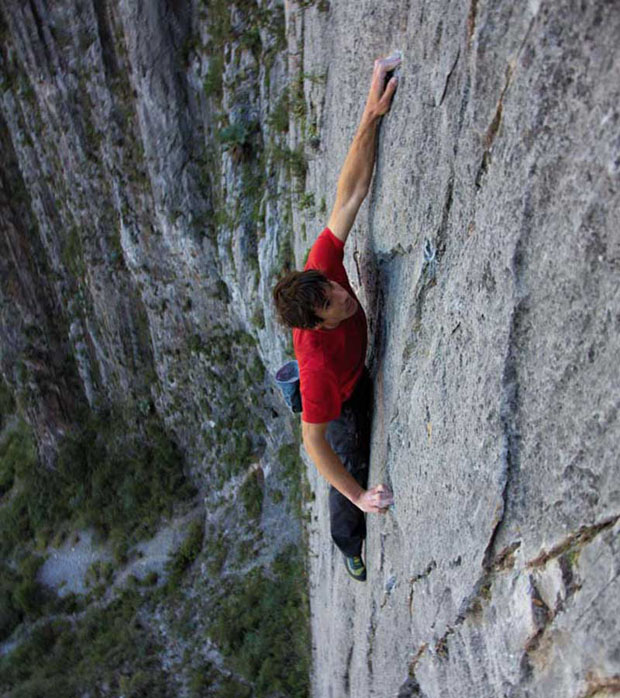 honnold-mexico-climb-rock-face_fe