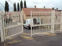 portail battant barreaudé de résidence