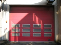 porte_sectionnele_rouge_parking