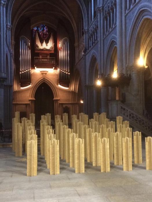 Cathédrale+pieds de la grande estrade de la nef
