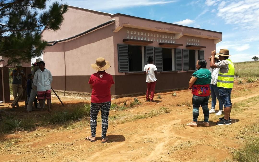Antsaonjombe : la nouvelle salle de classe est terminée !