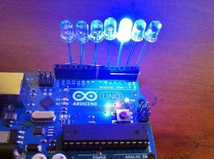 আরডুইনো দিয়ে তৈরি চলন্ত এলইডি প্রজেক্টের চিত্র আরডুইনো - Arduino LED light - আরডুইনো দিয়ে চলন্ত এলইডি প্রজেক্ট