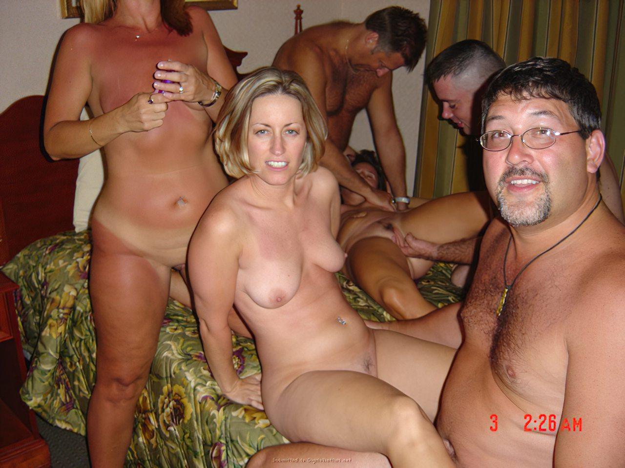 Suruba Entre Amigos (36)