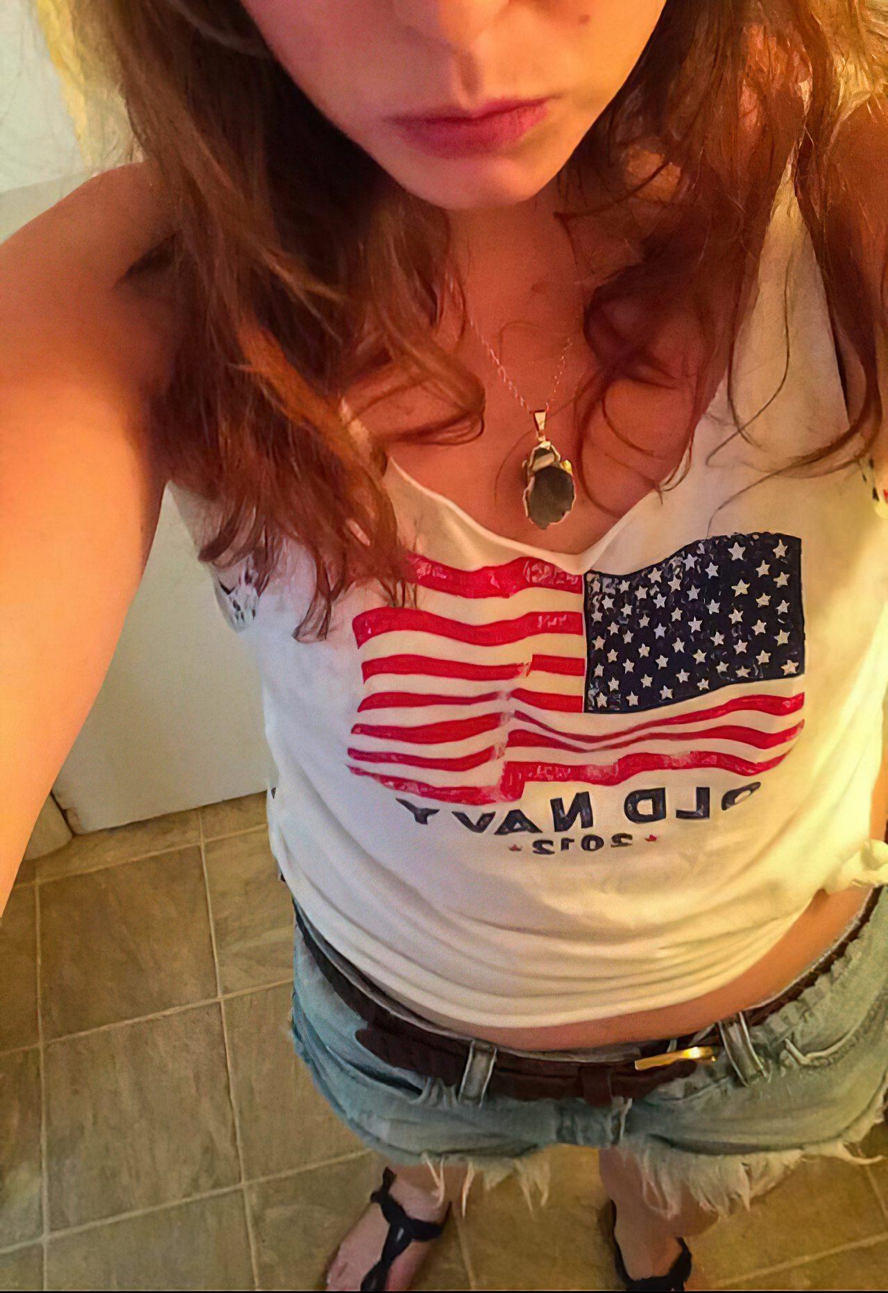Americana Mostrando a Buceta (1)