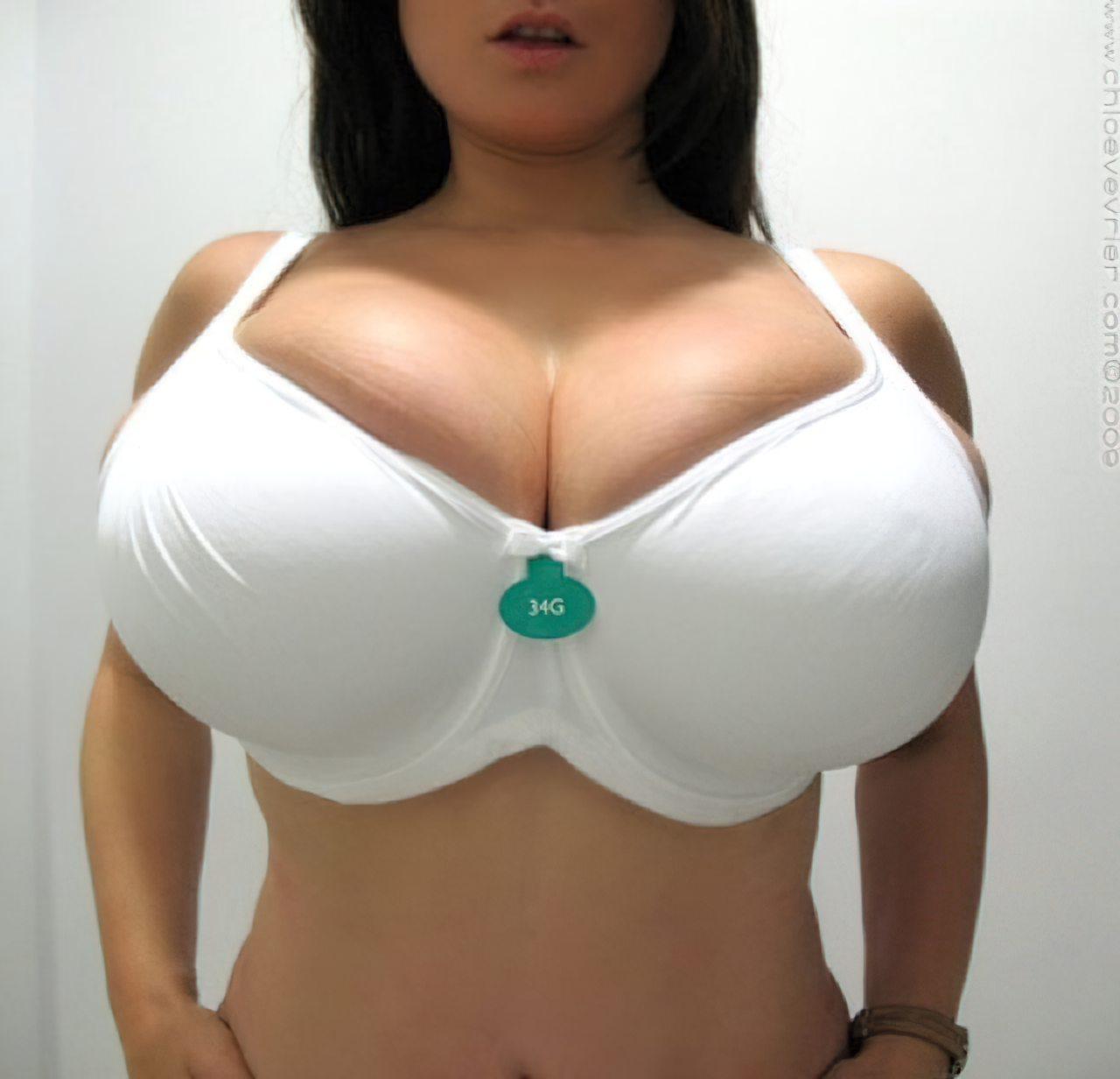Chloe Vevrier Peitos Grandes (1)