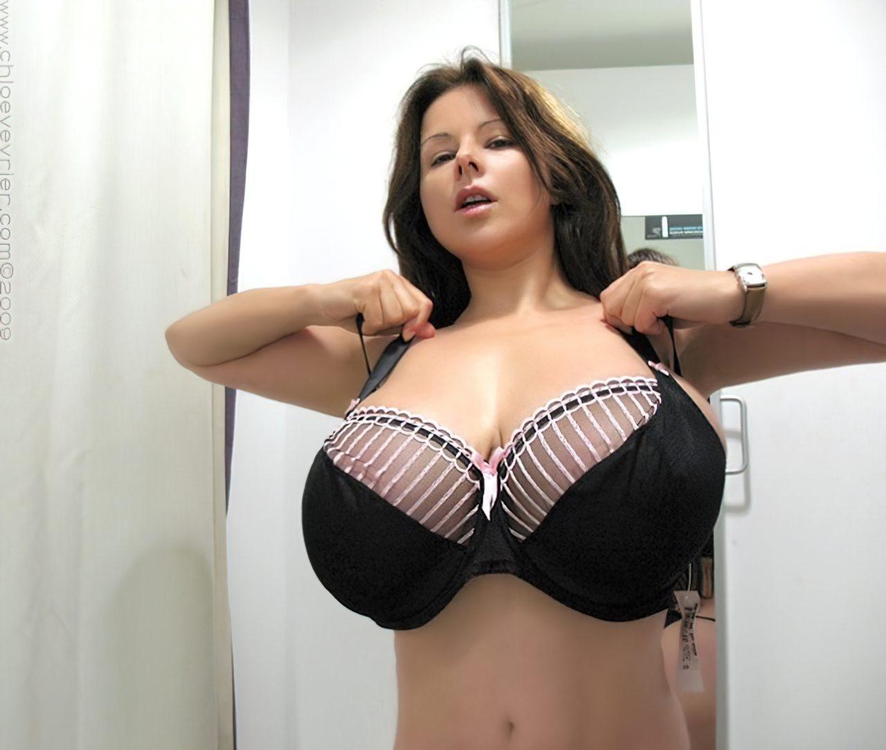 Chloe Vevrier Peitos Grandes (4)